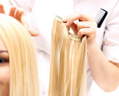 Bild von Haarverlängerung mit Clip Extensions
