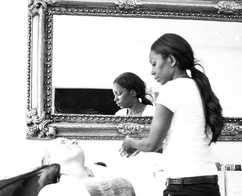 Bild von Haarverlängerung waschen